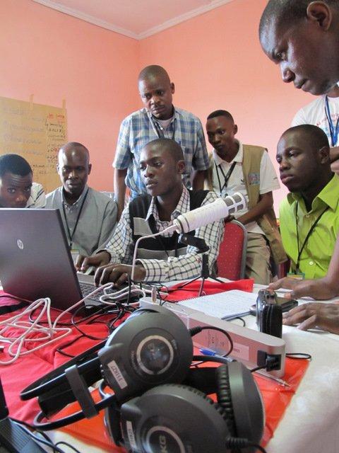 La créativité à la radio, c'est magique ! dans Clients Mediatic ngongo