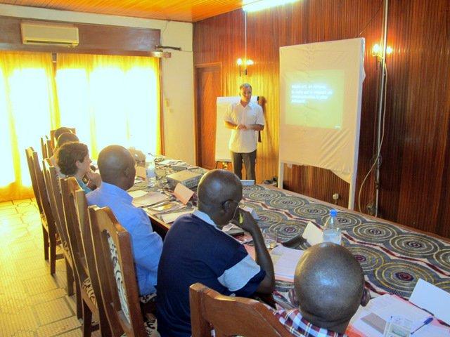 7 conseils pour réussir une campagne de communication humanitaire sur le média radio en Afrique dans Conferences img4085
