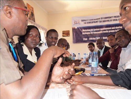 L'UNESCO soutien les médias communautaires pour développer et partager du contenu local au Kenya dans Developpement unesco-pidc